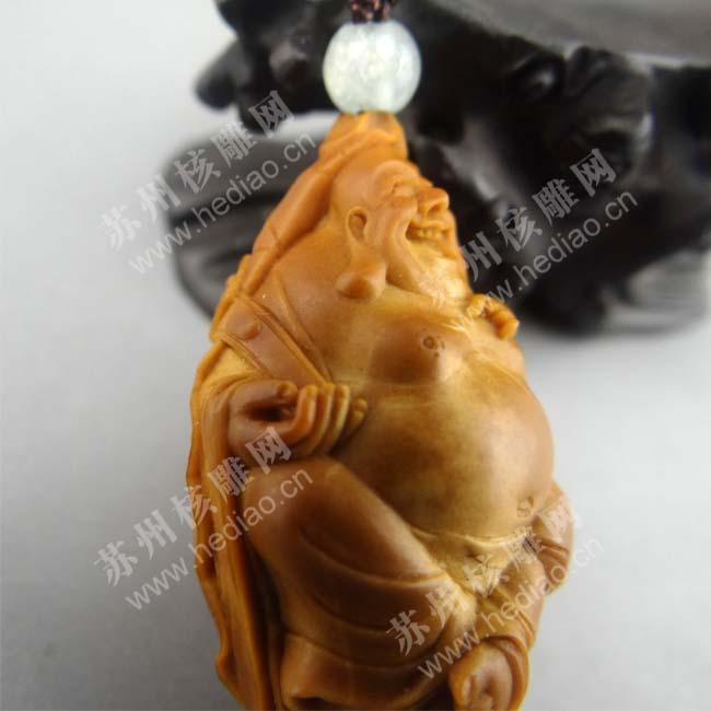李建东的核雕作品——荷叶弥勒